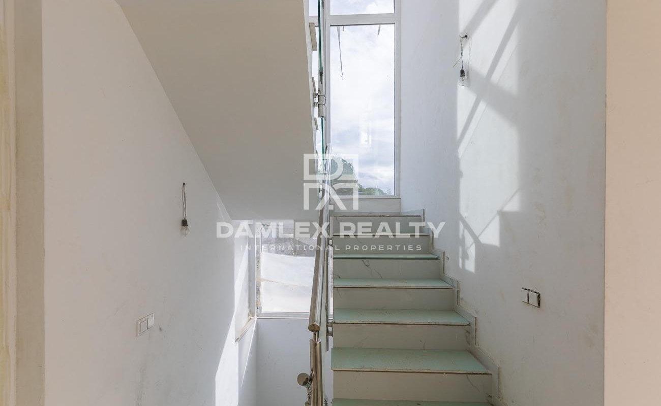 Maison / Villa avec 4 chambres, terrain 615m2, a vendre á Vilassar de Dalt, Côte Nord de Barcelone