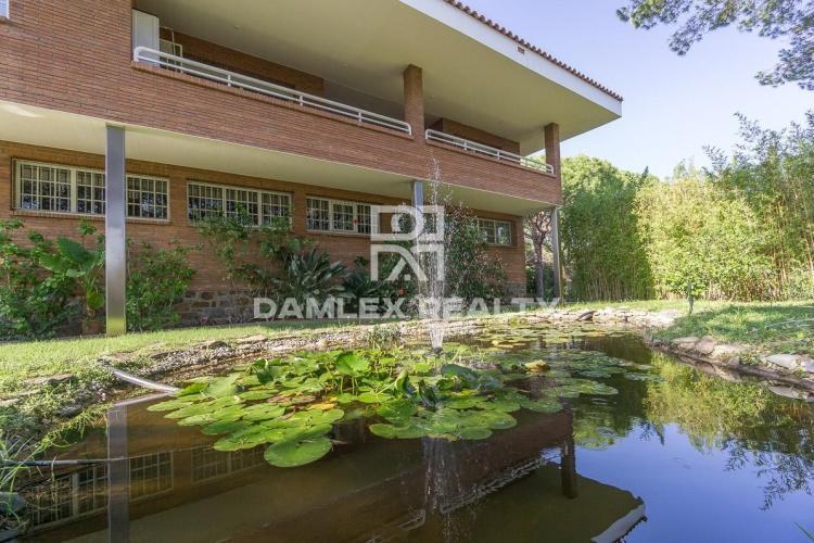 Maison / Villa avec 5 chambres, terrain 2100m2, a vendre á Cabrils, Côte Nord de Barcelone