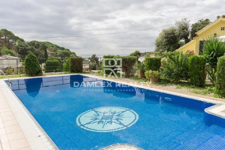 Maison / Villa avec 6 chambres, terrain 1400m2, a vendre á Tossa de Mar, Costa Brava