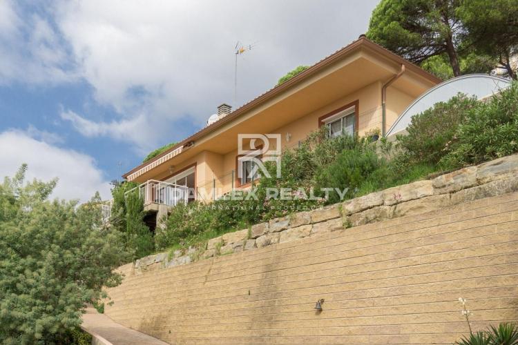 Maison / Villa avec 4 chambres, terrain 750m2, a vendre á Tossa de Mar, Costa Brava