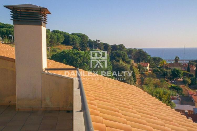 Maison / Villa avec 4 chambres, terrain 150m2, a vendre á Arenys de Munt, Côte Nord de Barcelone