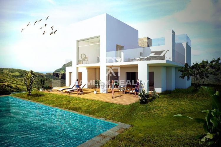Maison / Villa avec 4 chambres, terrain 1582m2, a vendre á Marbella Est, Costa del Sol