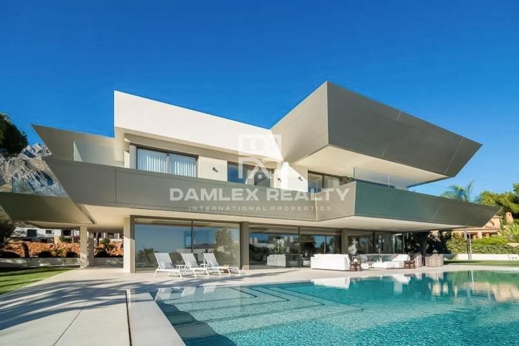 Maison / Villa avec 6 chambres, terrain 2024m2, a vendre á Golden Mile, Costa del Sol