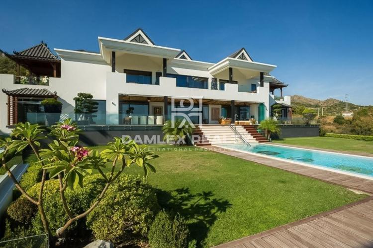 Maison / Villa avec 6 chambres, terrain 5200m2, a vendre á Golden Mile, Costa del Sol