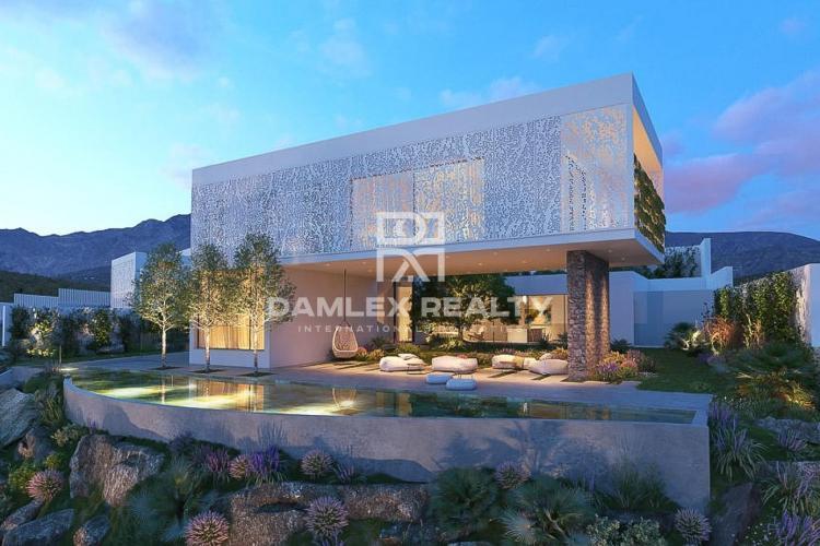 Maison / Villa avec 4 chambres, terrain 800m2, a vendre á Estepona, Costa del Sol