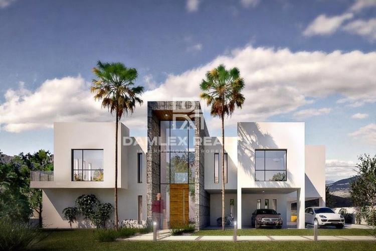 Maison / Villa avec 4 chambres, terrain 1710m2, a vendre á Marbella Est, Costa del Sol