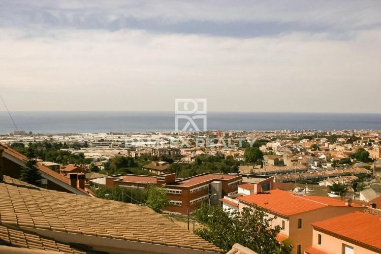 Maison / Villa avec 6 chambres, terrain 502m2, a vendre á Vilassar de Dalt, Côte Nord de Barcelone
