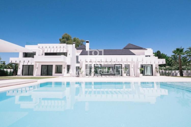Maison / Villa avec 4 chambres, terrain 3191m2, a vendre á Marbella Ouest, Costa del Sol