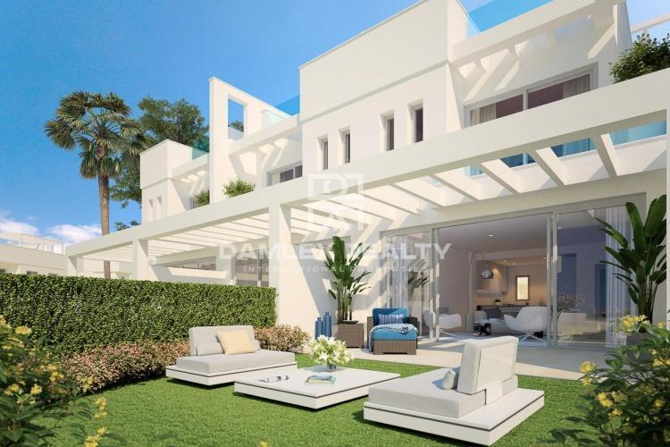 Maison / Villa avec 3 chambres, terrain m2, a vendre á Mijas / Fuengirola, Costa del Sol