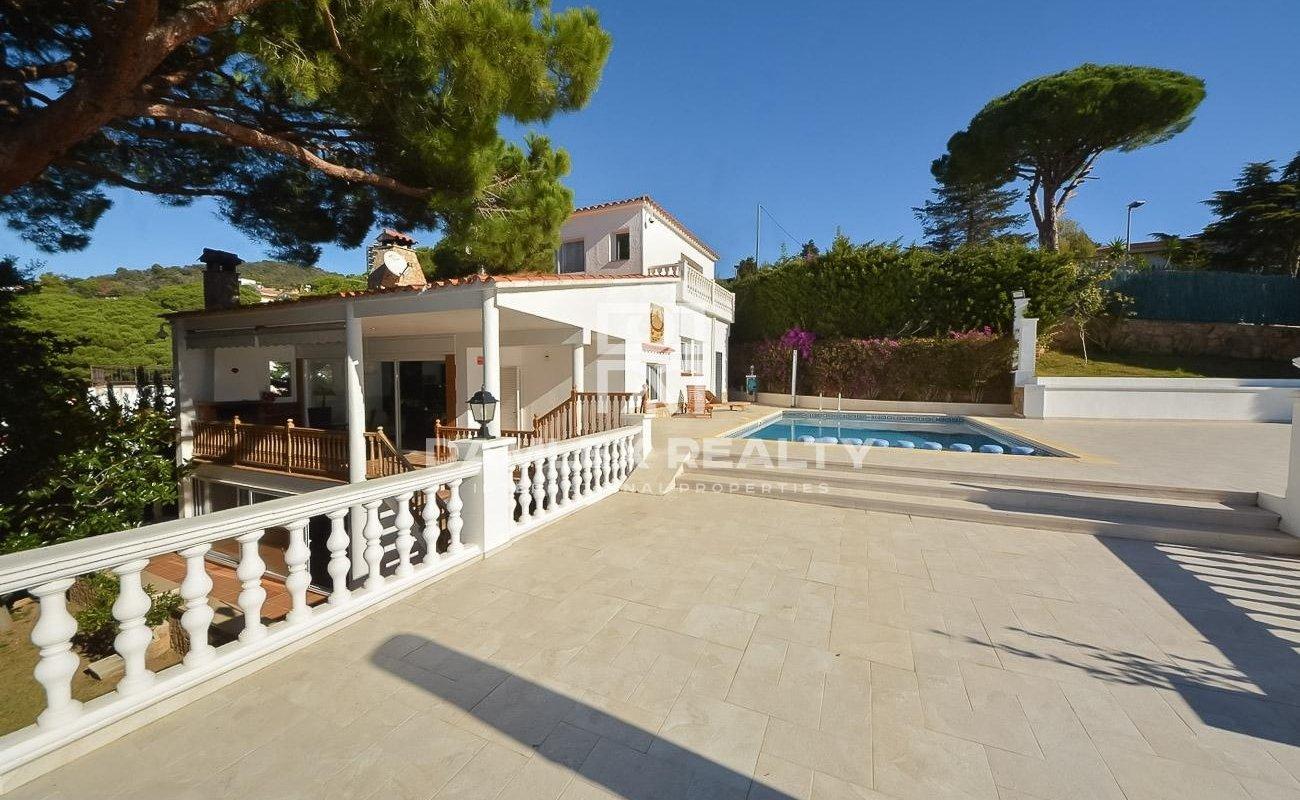 Maison / Villa avec 5 chambres, terrain 1983m2, a vendre á Lloret de Mar, Costa Brava
