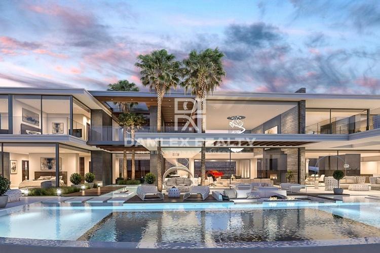 Maison / Villa avec 7 chambres, terrain 5315m2, a vendre á Marbella Ouest, Costa del Sol