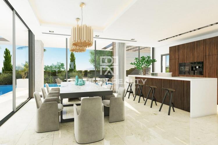 Maison / Villa avec 6 chambres, terrain 1641m2, a vendre á Golden Mile, Costa del Sol