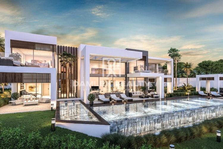 Maison / Villa avec 5 chambres, terrain 1685m2, a vendre á Marbella Ouest, Costa del Sol