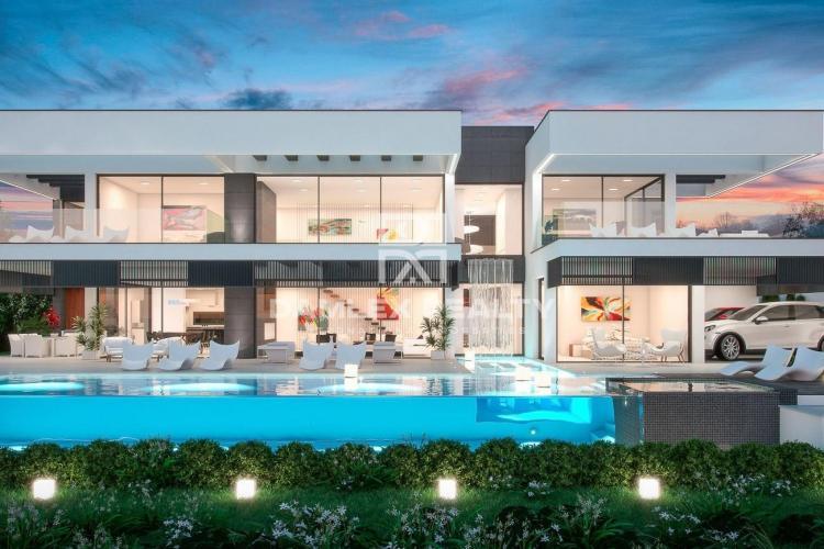 Maison / Villa avec 5 chambres, terrain 1684m2, a vendre á Marbella Ouest, Costa del Sol