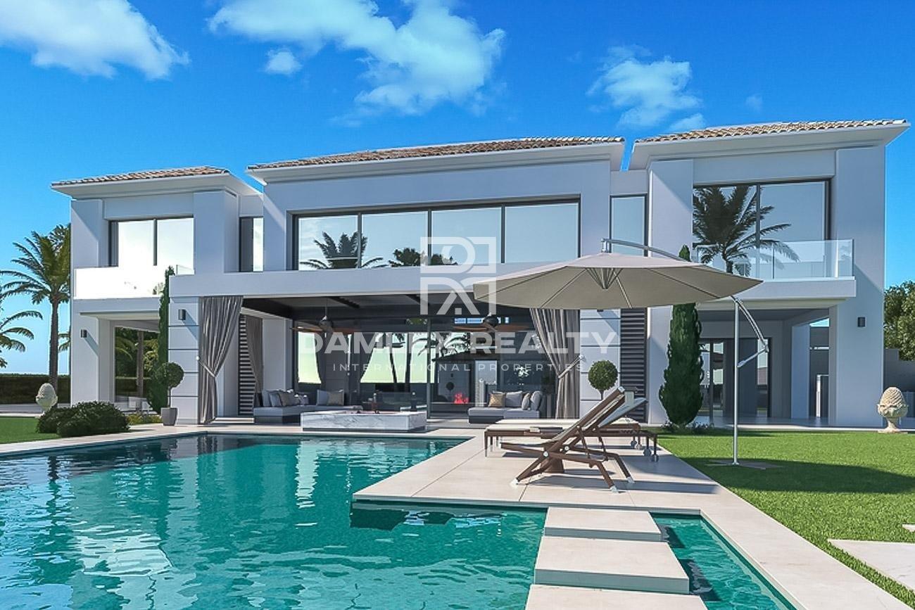 Maison / Villa avec 5 chambres, terrain 1640m2, a vendre á Marbella Ouest, Costa del Sol