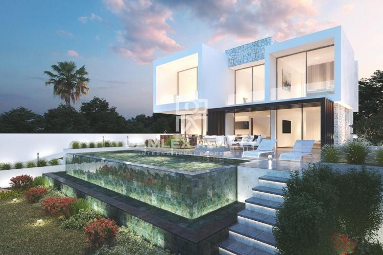Maison / Villa avec 3 chambres, terrain 695m2, a vendre á Mijas / Fuengirola, Costa del Sol