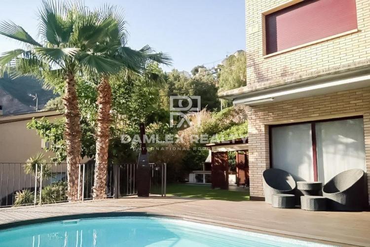 Maison / Villa avec 4 chambres, terrain 455m2, a vendre á Gava, Côte sud de Barcelone