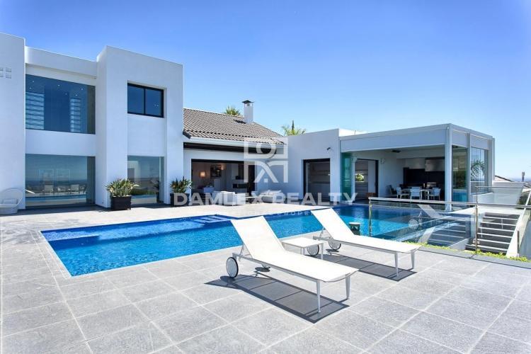 Maison / Villa avec 5 chambres, terrain 2400m2, a vendre á Estepona, Costa del Sol