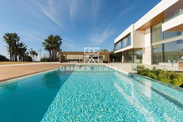 Maison / Villa avec 5 chambres, terrain 2605m2, a vendre á San Vicente de Montalt, Côte Nord de Barcelone
