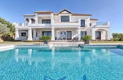 Maison / Villa avec 5 chambres, terrain 2122m2, a vendre á Marbella Ouest, Costa del Sol