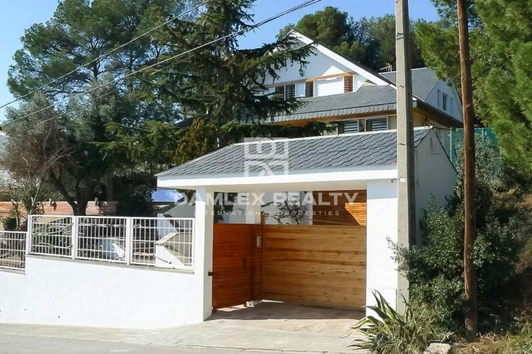 Maison / Villa avec 6 chambres, terrain 1125m2, a vendre á Alella, Côte Nord de Barcelone