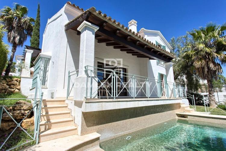 Maison / Villa avec 3 chambres, terrain 560m2, a vendre á Mijas / Fuengirola, Costa del Sol