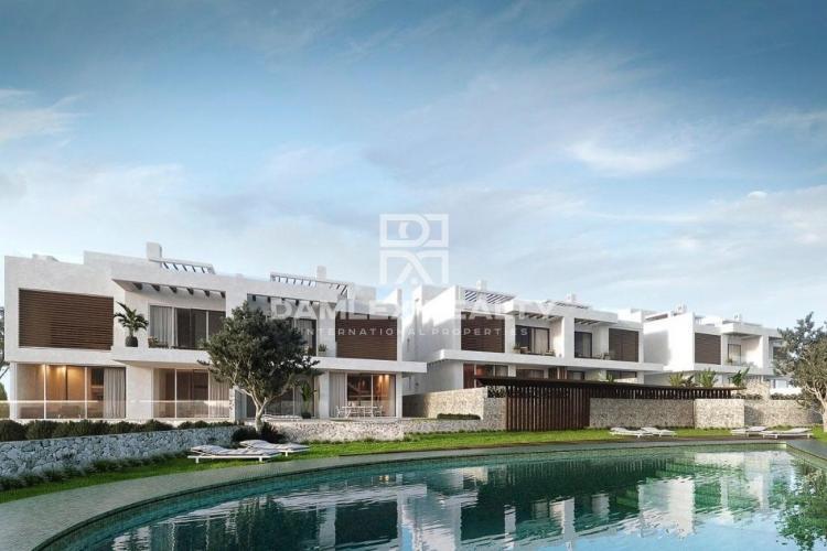 Maison / Villa avec 4 chambres, terrain 555m2, a vendre á Marbella Est, Costa del Sol