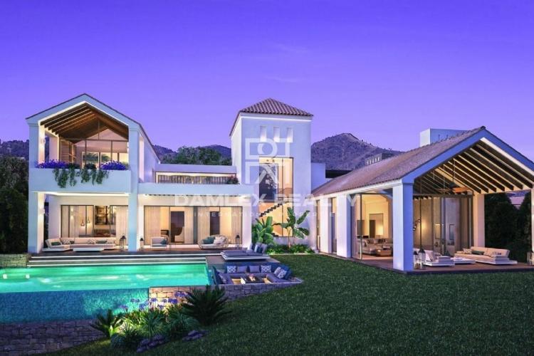 Maison / Villa avec 4 chambres, terrain 1173m2, a vendre á Estepona, Costa del Sol