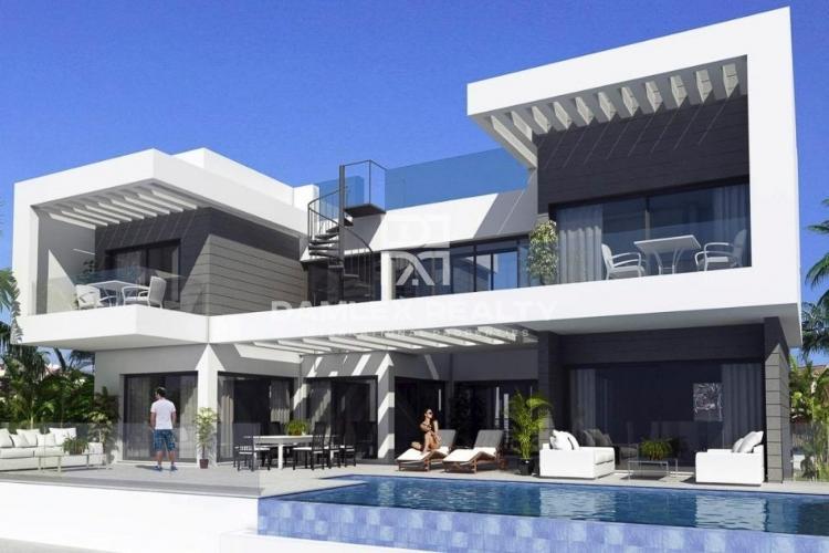 Maison / Villa avec 3 chambres, terrain 853m2, a vendre á Mijas / Fuengirola, Costa del Sol