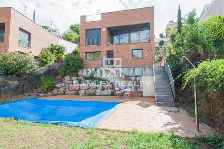 Maison / Villa avec 3 chambres, terrain 608m2, a vendre á Sitges, Côte sud de Barcelone