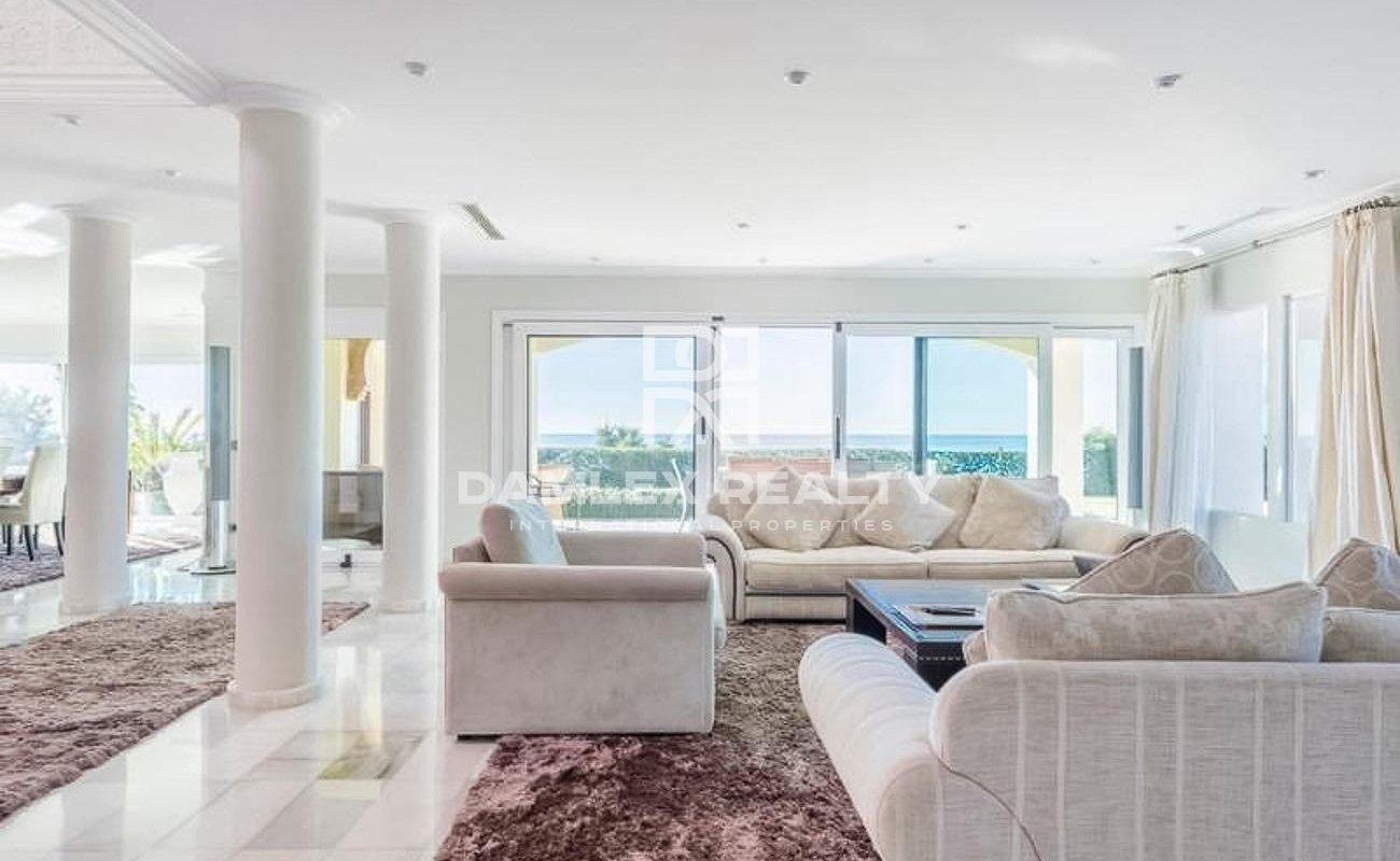Maison / Villa avec 6 chambres, terrain 5000m2, a vendre á Marbella Est, Costa del Sol