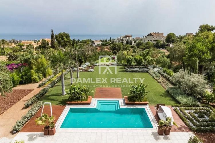 Maison / Villa avec 5 chambres, terrain 5300m2, a vendre á Golden Mile, Costa del Sol