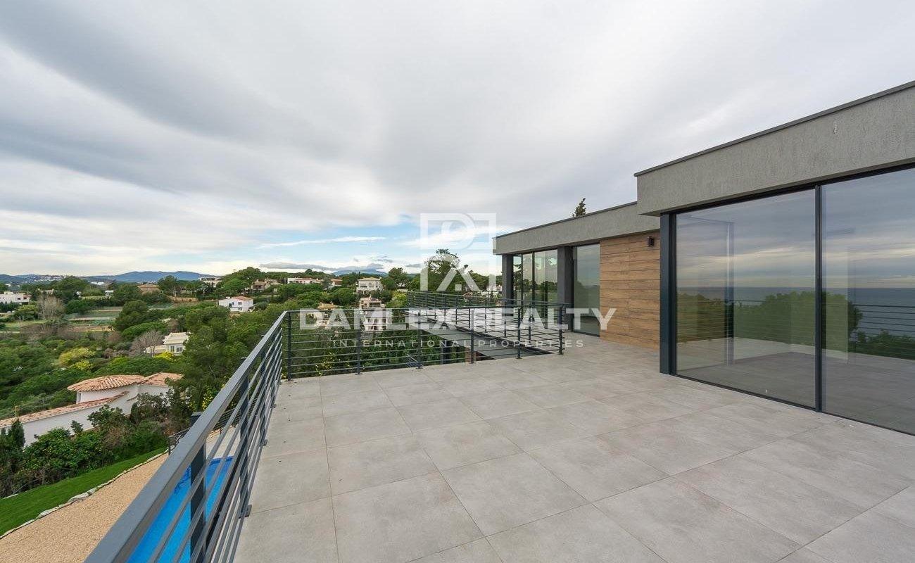 Nouvelle villa dans l`urbanisation La Montgoda, Lloret de Mar