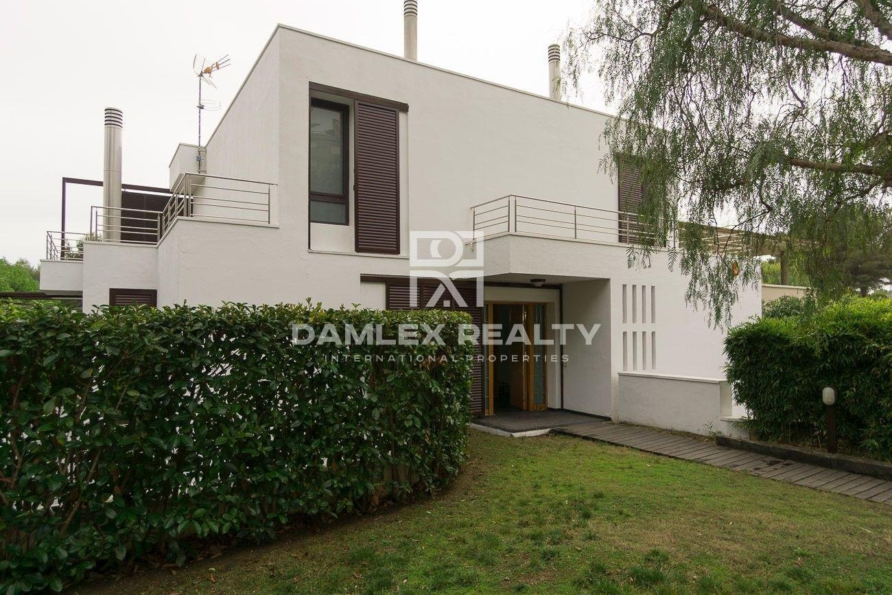 Maison / Villa avec 4 chambres, terrain 839m2, a vendre á Sitges, Côte sud de Barcelone