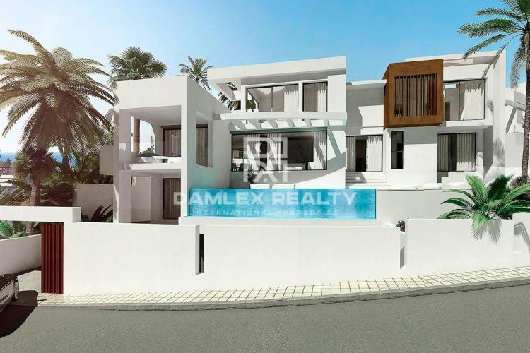 Maison / Villa avec 4 chambres, terrain m2, a vendre á Marbella Est, Costa del Sol