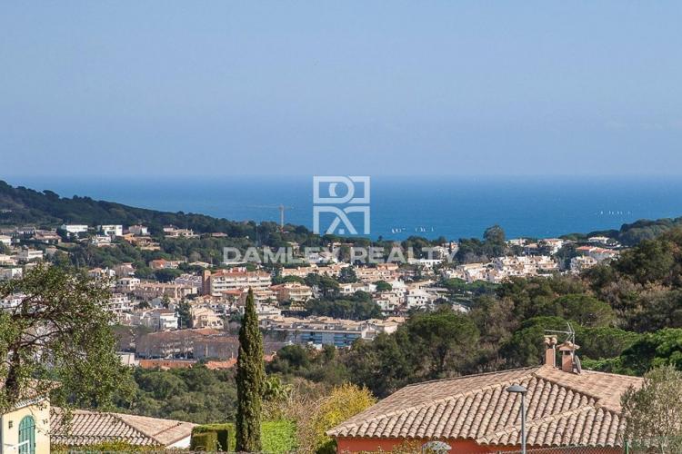Maison / Villa avec 4 chambres, terrain 800m2, a vendre á Sant Feliu de Guixols, Costa Brava