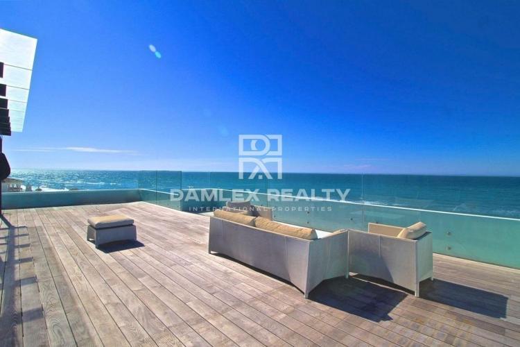 Maison / Villa avec 6 chambres, terrain 820m2, a vendre á Marbella Est, Costa del Sol