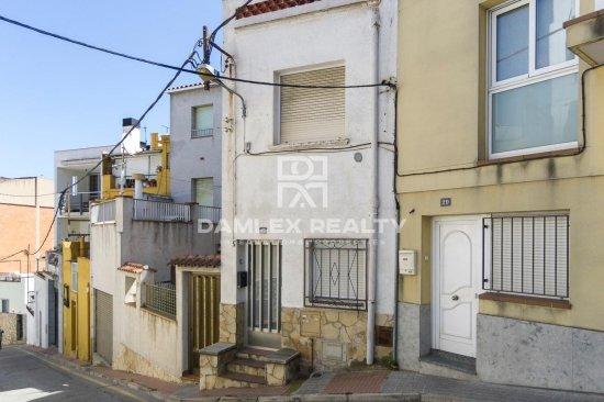 Maison jumelée avec une vue magnifique sur la ville