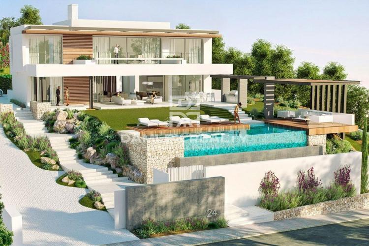 Maison / Villa avec 4 chambres, terrain 1413m2, a vendre á Marbella Ouest, Costa del Sol