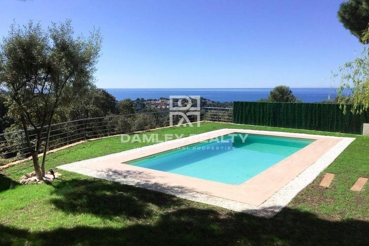 Maison / Villa avec 6 chambres, terrain 918m2, a vendre á Lloret de Mar, Costa Brava