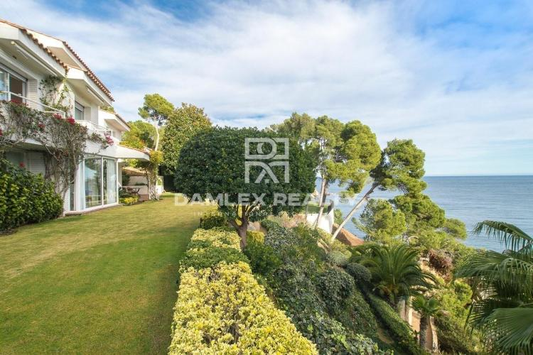 Maison / Villa avec 8 chambres, terrain 1617m2, a vendre á Calella de Palafrugell, Costa Brava