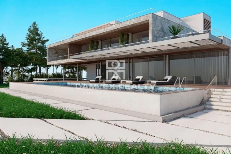Une offre unique! Villa sur la première ligne de la mer avec accès direct à la plage