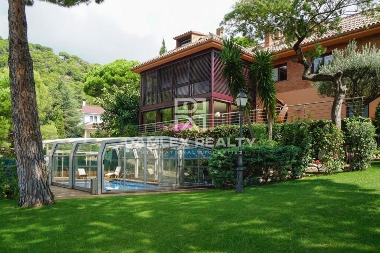 Maison / Villa avec 5 chambres, terrain 940m2, a vendre á Premia de Dalt, Côte Nord de Barcelone