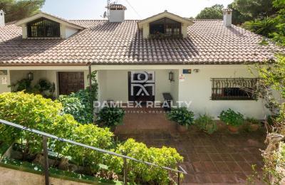 Maison / Villa avec 3 chambres, terrain 974m2, a vendre á Lloret de Mar, Costa Brava