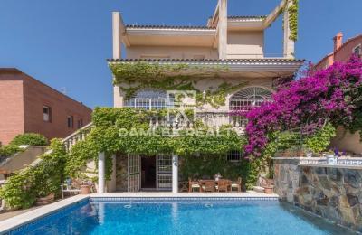 Maison / Villa avec 5 chambres, terrain 569m2, a vendre á Sitges, Côte sud de Barcelone