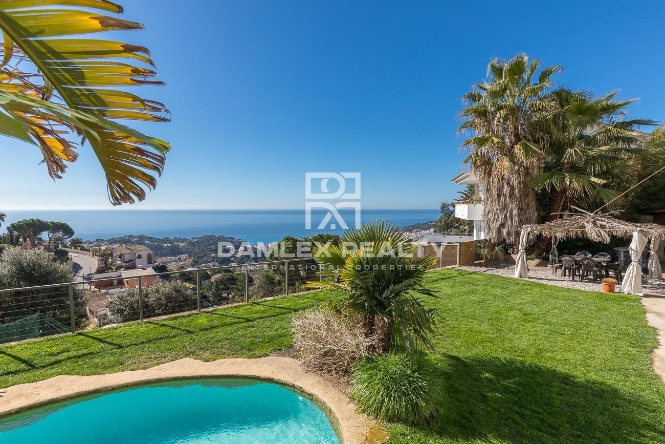 Maison avec une vue imprenable sur la mer Méditerranée