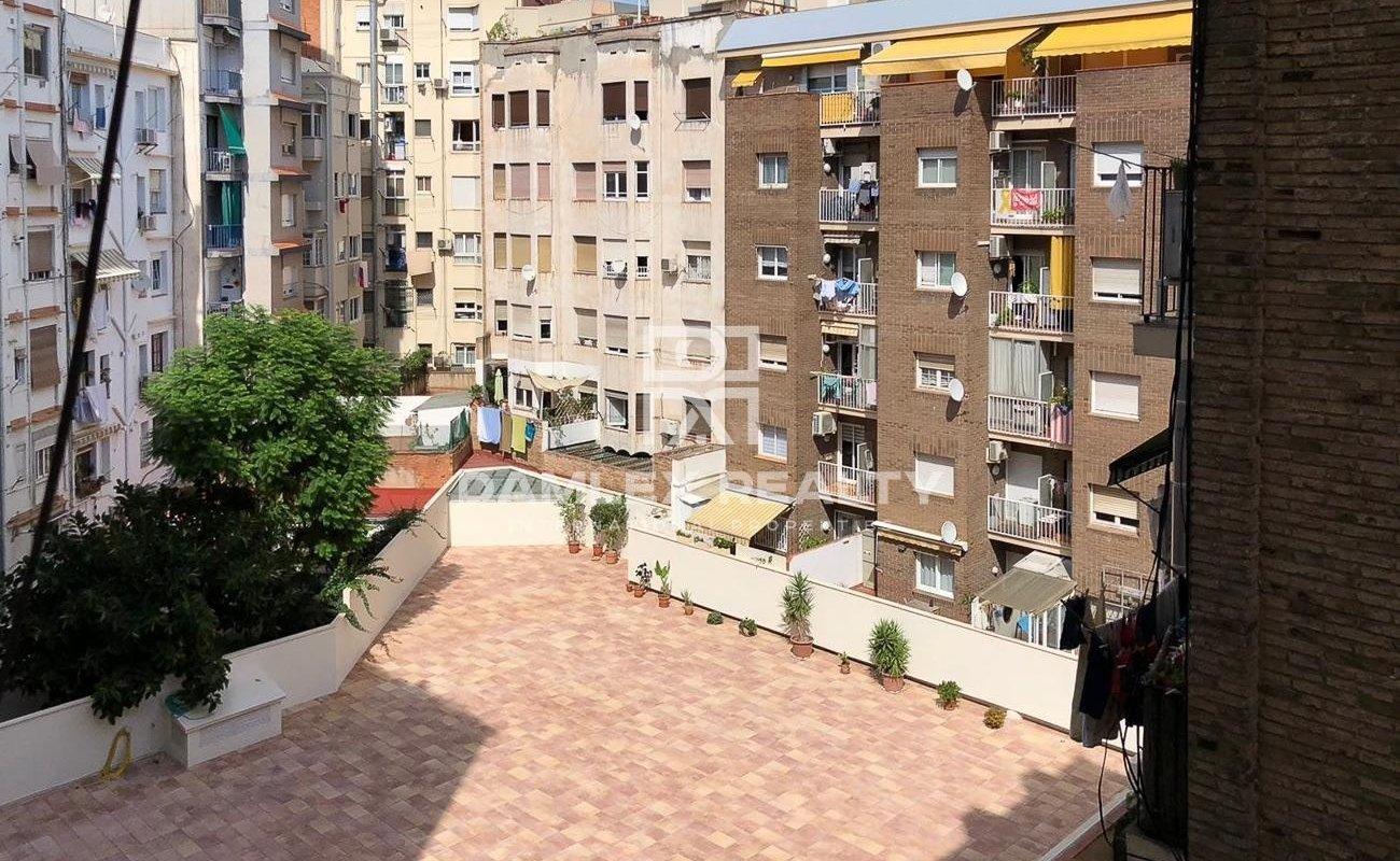 Appartement avec une réforme moderne.