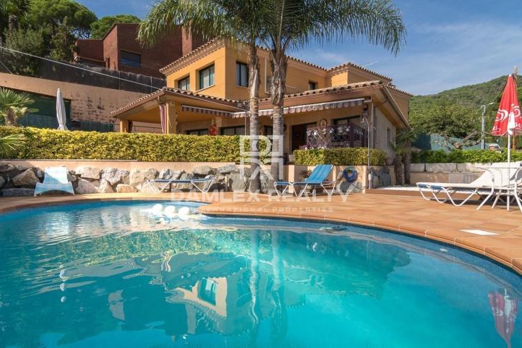 Villa avec piscine à Premià de Dalt (Barcelone)