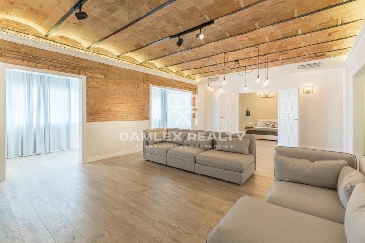 Appartement de luxe entièrement rénové dans le centre de Barcelone