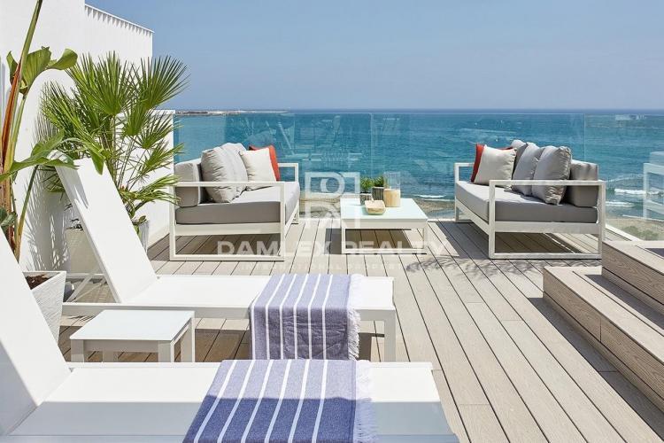 Maison / Villa avec 4 chambres, terrain m2, a vendre á Estepona, Costa del Sol